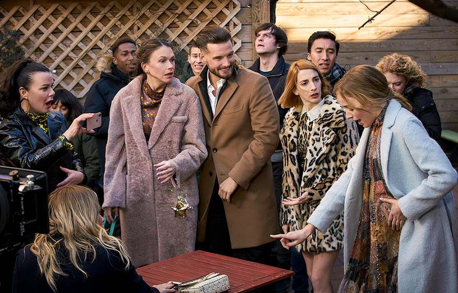 """Younger Season 6 Episode 2 recap """"Flush with Love"""" - Pictured from Left to Right: Debi Mazar as Maggie,  Sutton Foster as Liza Miller, Nico Tortorella as Josh, Molly Bernard as Lauren Heller and Phoebe Dynevor as Clare - Photo Credit: TV Land"""