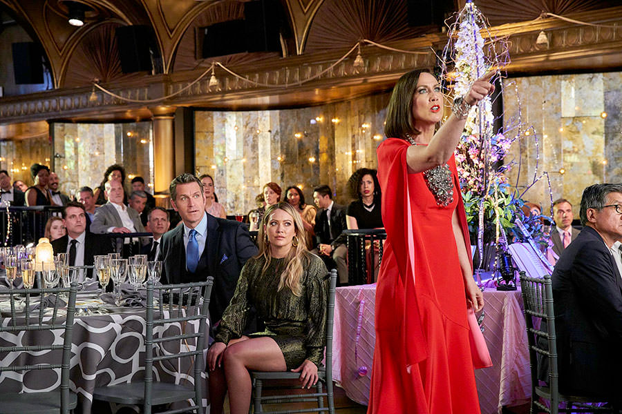 """Younger Season 6 Episode 8 """"The Debu-Taunt"""" live stream - Pictured from left to right: Peter Hermann as Charles Brooks, Hilary Duff as Kelsey Peters, and Miriam Shor as Diana Trout - Photo Credit: TV Land"""