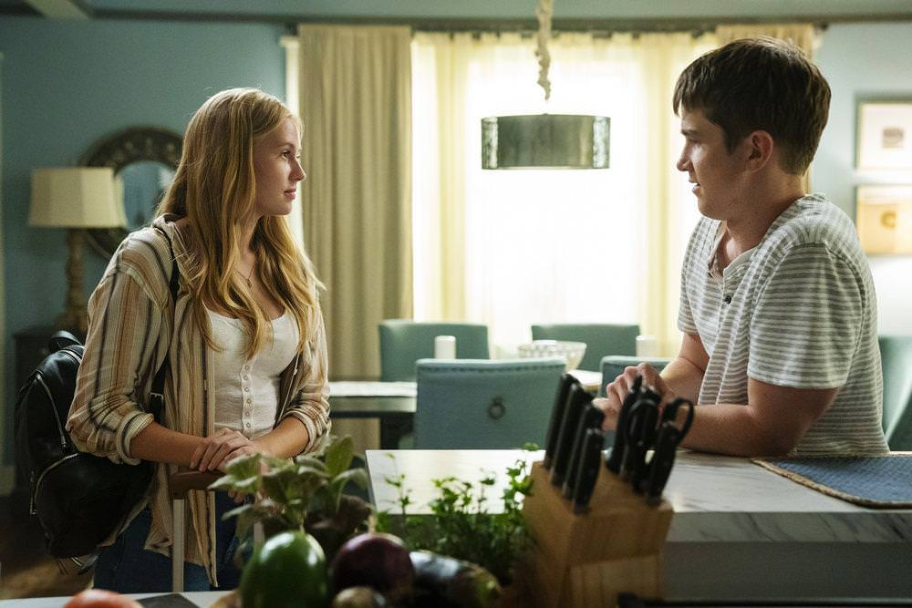 """THE PURGE -- """"Should I Stay Or Should I Go"""" Episode 207 -- Pictured: (l-r) Danika Yarosh as Kelen, Joel Allen as Ben -- (Photo by: Alfonso Bresciani/USA Network)"""