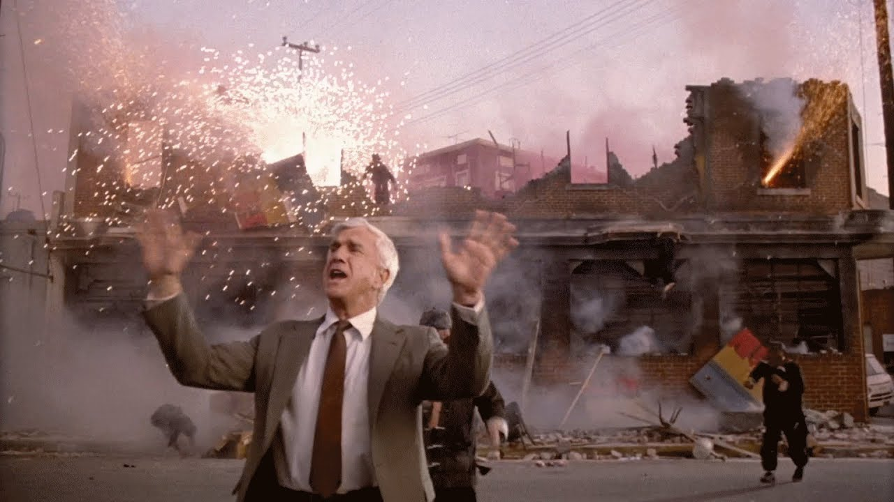 Frank Drebin in The Naked Gun: From the Files of Police Squad! - Screenshot via Paramount Pictures