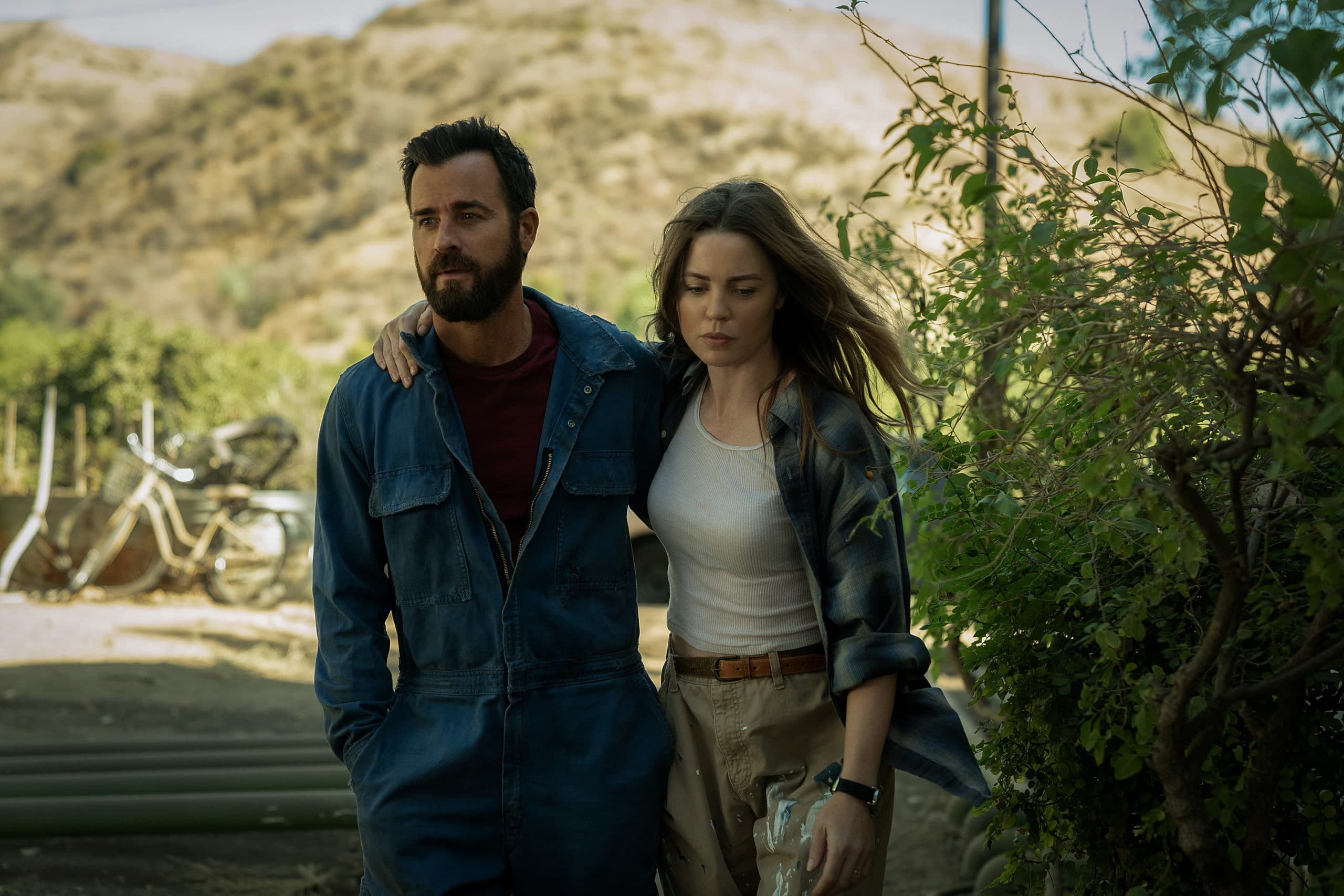 """Episode 1. Justin Theroux and Melissa George in """"The Mosquito Coast,"""" premiering April 30 on Apple TV+."""